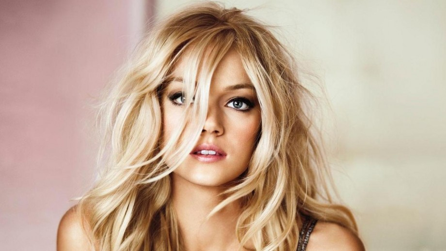 Lindsay Ellingson shines as bride for 2015 La Sposa campaign