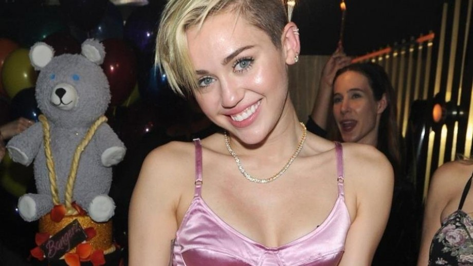 Miley Cyrus wages war with Selena Gomez