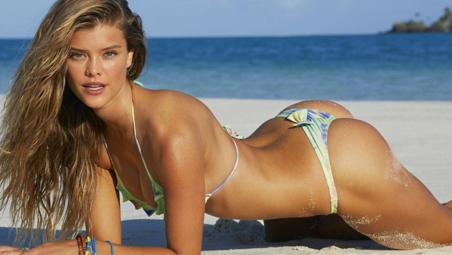 Nina Agdal continuing her acting apprenticeship with the Entourage movie