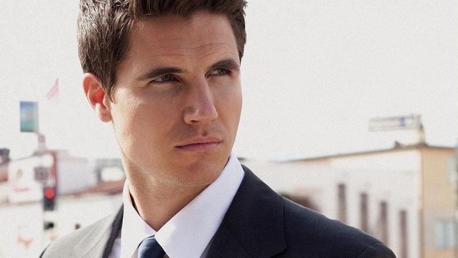 Robbie Amell and the Amell Wednesdays