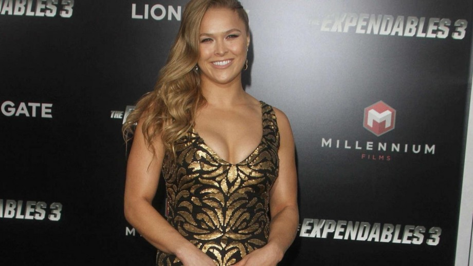 Ronda Rousey has a dig at Floyd Mayweather