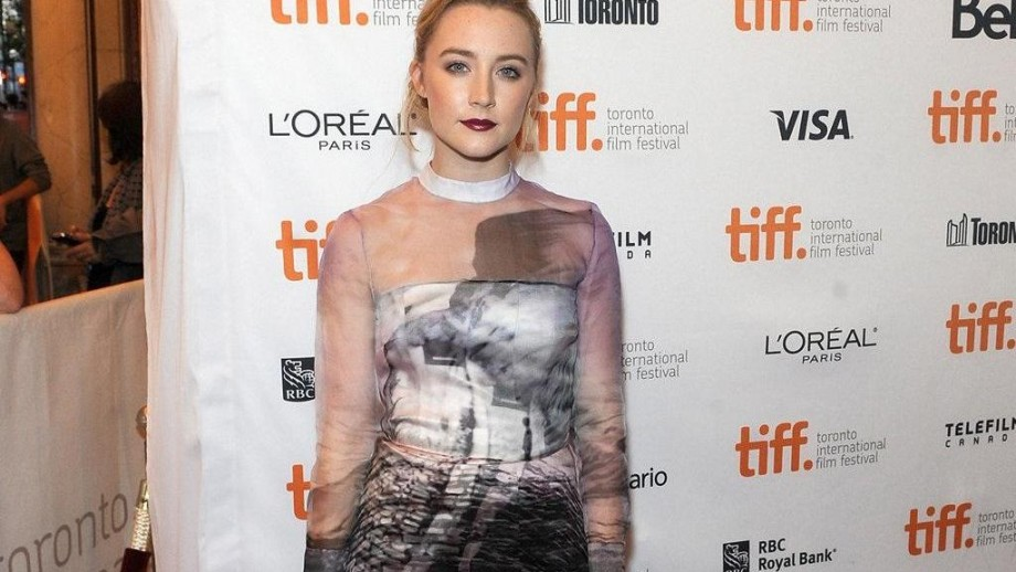 Saoirse Ronan Oscars dress is left to the professionals