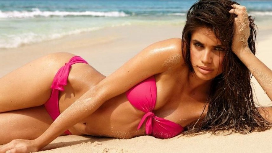 Sara Sampaio shows she is the best of the beach babes