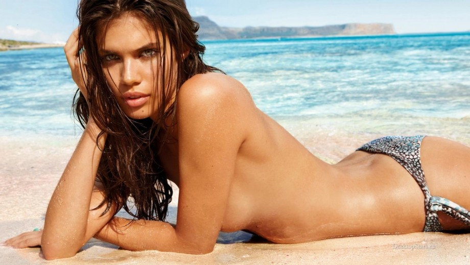 sara sampaio wins sports illustrated swimsuit issue 2014 rookie of the
