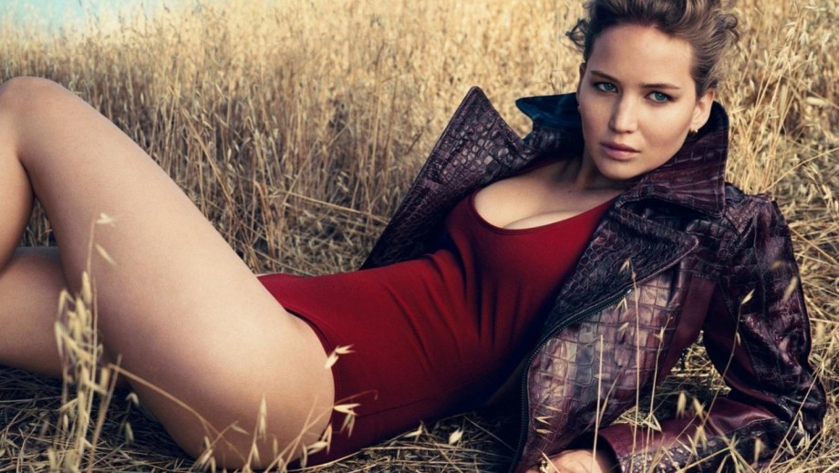 Seth Rogen defends Jennifer Lawrence and the rest of the nude celebrity photos victims