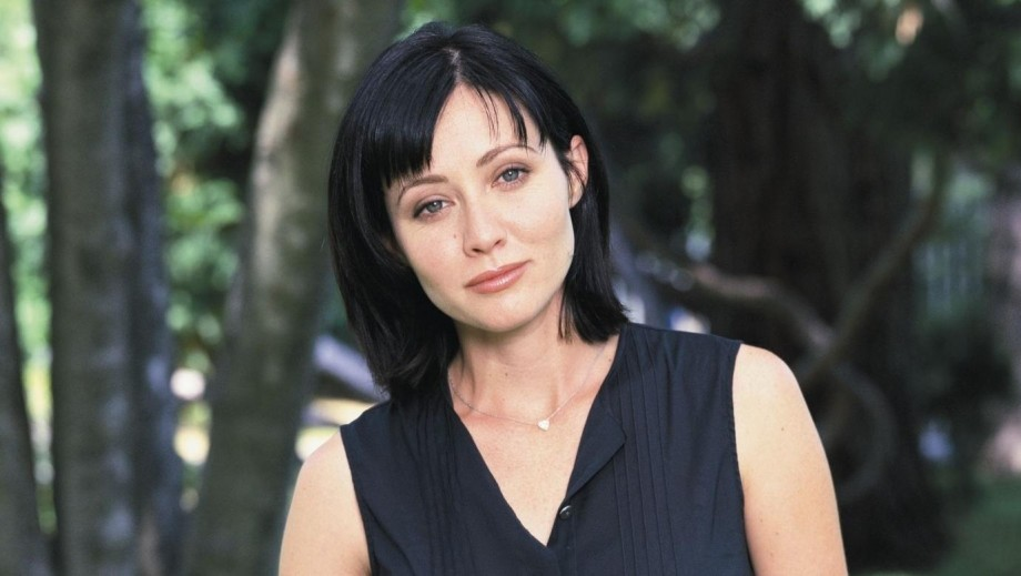 Shannen Doherty destroys business manager's reputation with breast cancer news