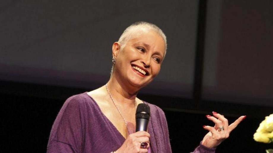 Singer, actress and warrior Daniela Romo beats breast cancer