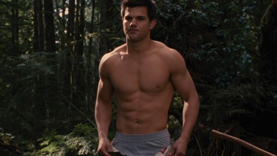Taylor Lautner to play Red Ranger in new Power Rangers movie?
