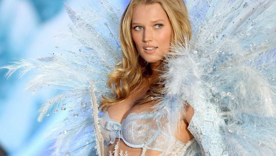 Toni Garrn not bothered by Leonardo DiCaprio letting himself go