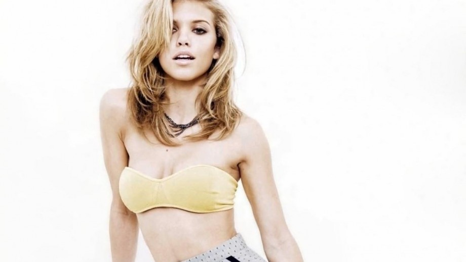 When will AnnaLynne McCord make her feature film directorial debut?