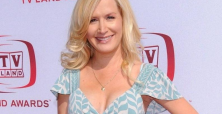 Angela Kinsey's 'Bad Judge' night club attire photo gets fans excited