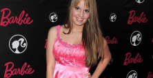 Debby Ryan to marry on