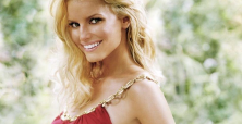 Jessica Simpson body makes her talk of John Varvatos charity event