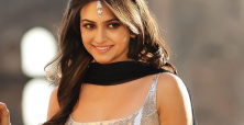 Kriti Kharbanda spices up Kingfisher Derby Trophy unveiling