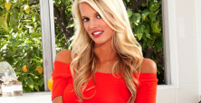 Lauren Tannehill stuns fans with her sensual cover for