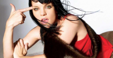 Pauley Perrette shocks and attracts fans with song