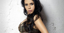 Rozlyn Khan provides fans early movie 'treat' with risqué pictures