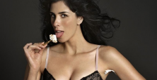 Sarah Silverman can become great in 2014 if her act evolves