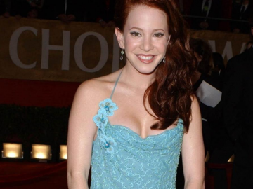 Amy Davidson Halloween zombie photo reminds fans of acting talent
