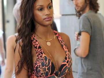 Can Fanny Neguesha win battle for heart and attention of Mario Balotelli?