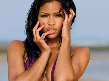 Cassie Ventura receives diamond ring from Diddy but not engaged?