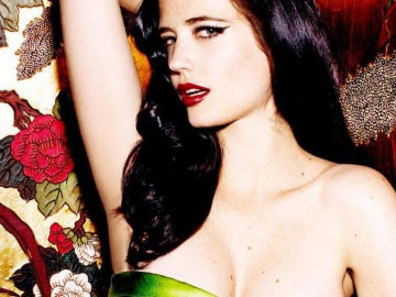 Eva Green's beauty and acting is mesmerizing in