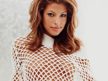Has Eva Mendes' relationship had detrimental impact on her career?
