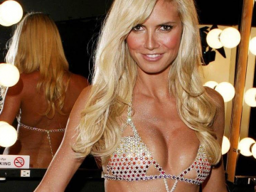 Heidi Klum gets fans excited in pink jumper & lingerie from Intimates line