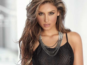 Jessica Cediel wins new fans with feisty response to social media trolls