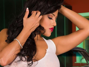 Jessica Marie's Candyland Calendar turning her into 'hot' model prospect