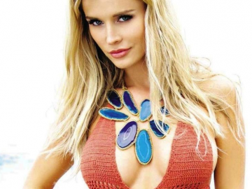 Joanna Krupa's racy crop top outfit displays body 'assets' and film potential
