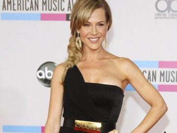 Julie Benz continues to mix television and movie roles
