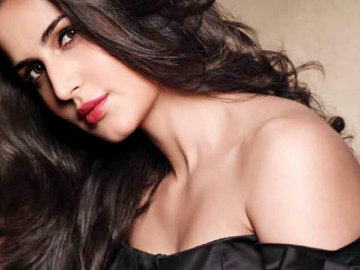 Katrina Kaif gets the man and home but not the Christmas holiday in 2014