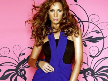 Leona Lewis overcomes nerves and shines in
