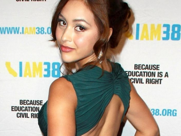 Lindsey Morgan makes 'good noise' in winning 'Casa Vista' lead role