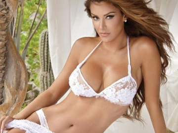 Ninel Conde overcomes rumours and critics to enjoy pregnancy