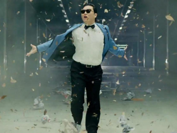 Psy performs 'Gangnam Style' in red pants for his World Cup team