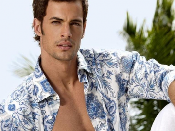 William Levy opens up about life in Spanish 'People' magazine