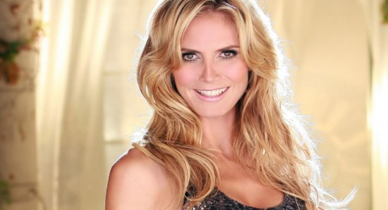 Heidi Klum's topless photos get her banned from Sin City airport