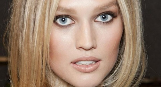 Toni Garrn close-up