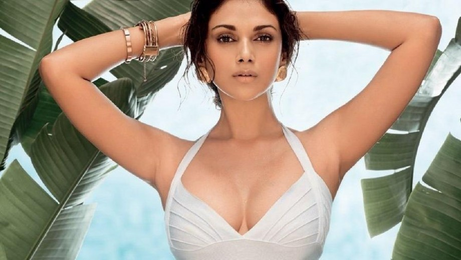 Aditi Rao Hydari takes Metro and becomes favourite of filmmakers
