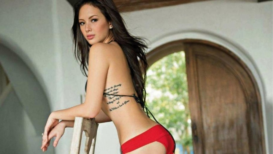 Ellen Adarna excites fans with provocative kiss and risque 'leaked' photos