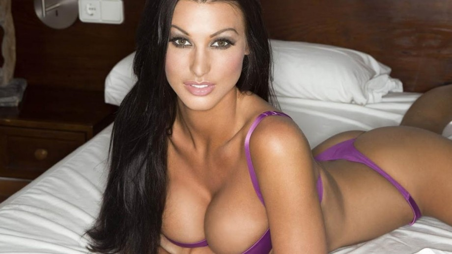 Is 2014 the year Alice Goodwin adds actress to her resume?