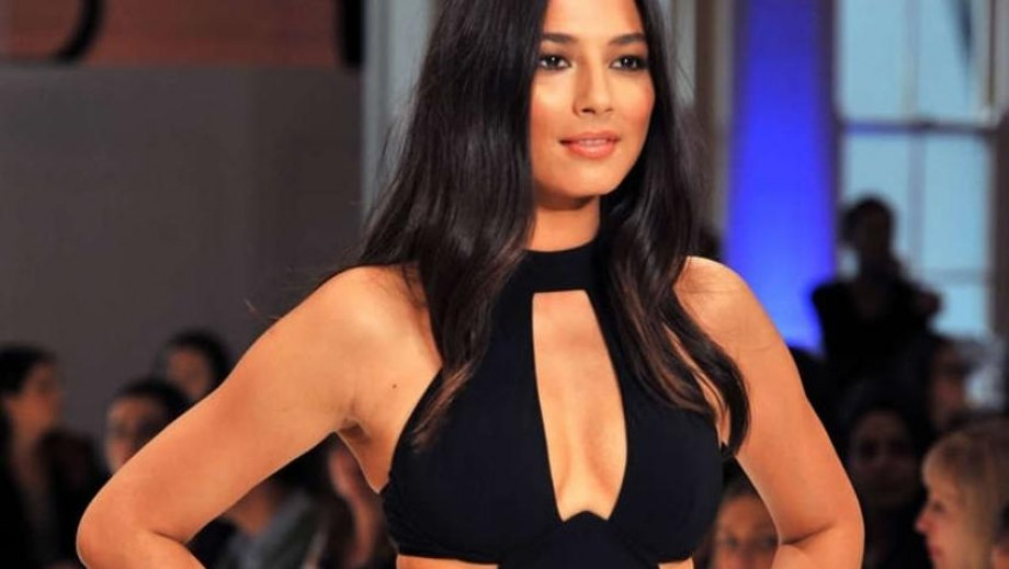 Jessica Gomes' hectic model schedule results in IV drip to re-energize