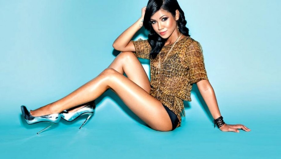 """Jhene Aiko becomes r & b's """"It"""" girl with fearless 'non-pc' music"""