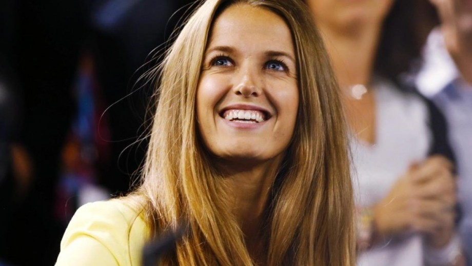 """Kim Sears appears on """"Mock The Week"""" to support Sport Relief"""