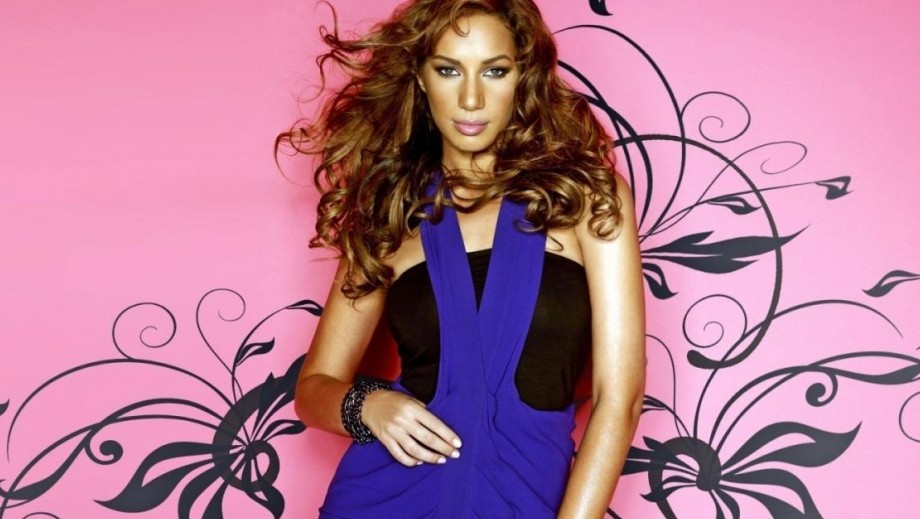 """Leona Lewis overcomes nerves and shines in """"Walking on Sunshine"""""""