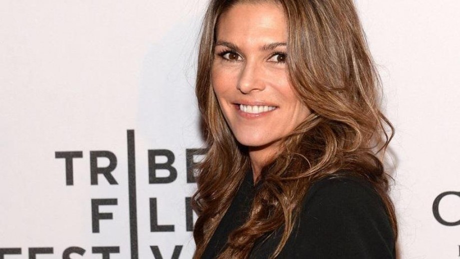 "Paige Turco makes 'Chancellor' on ""The 100"" compelling and beautiful"