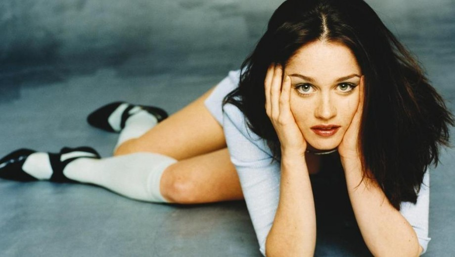 Robin Tunney raises eyebrows with sale of house and new movie