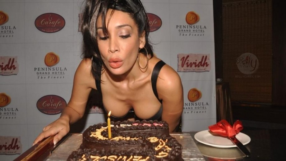 Sofia Hayat courts controversy with desire to play lesbian role